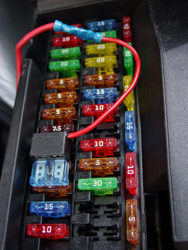 2004 chrysler crossfire auxiliary fuse box  relay activation lead piggy back fuse holder
