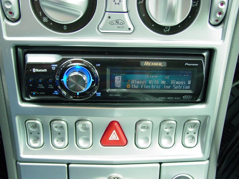 2004 Chrysler Crossfire - Pioneer CD-IB100II iPod Adapter